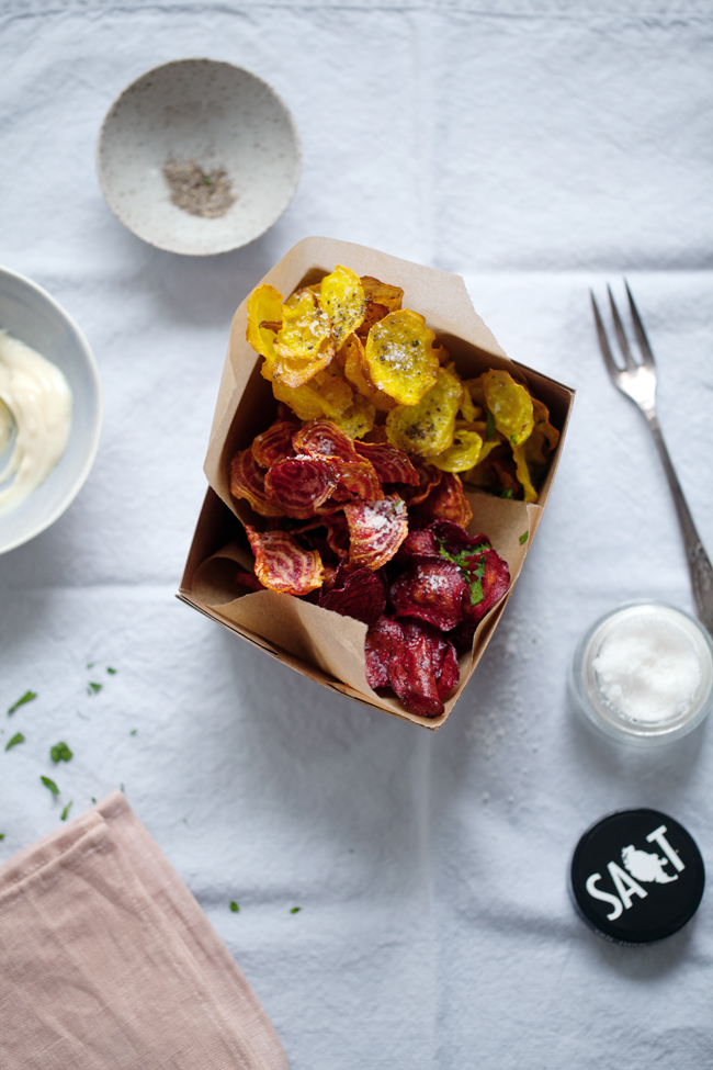 Beet chips with aioli