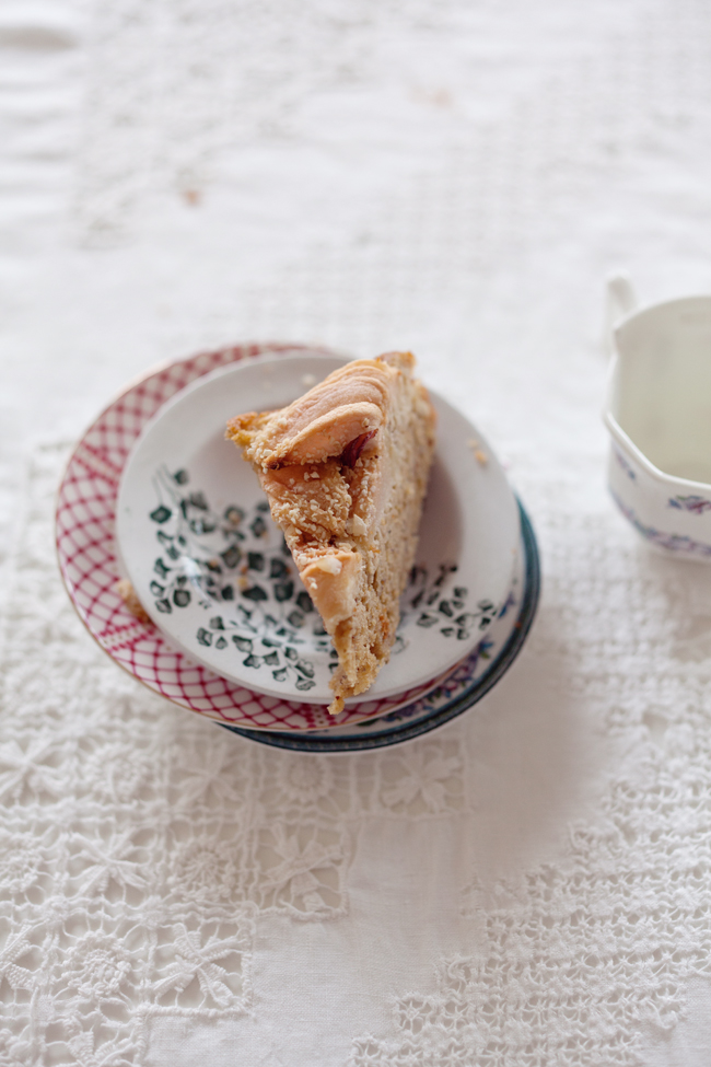 Apple, hazelnut and oat cake | Cannelle et Vanille