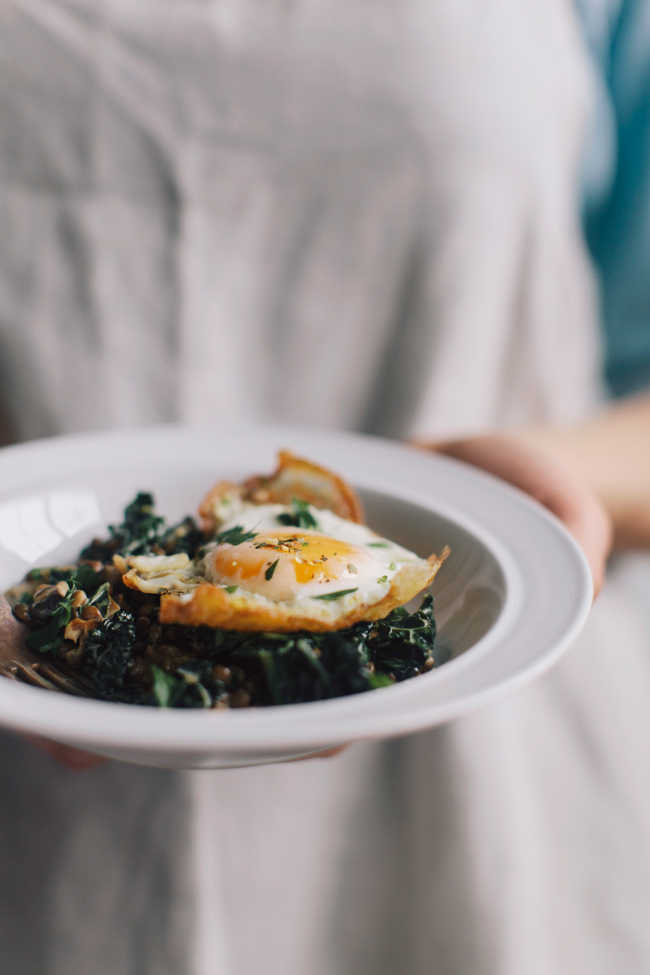 Lentils, kale and mushrooms with eggs | Cannelle et Vanille
