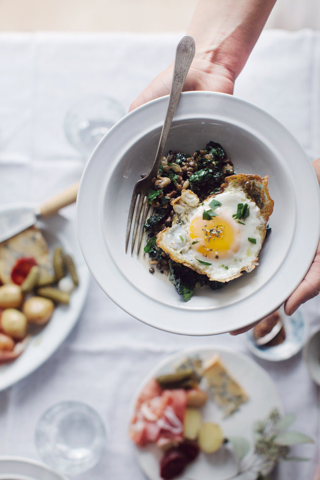 Lentils with mushrooms, kale and eggs | Cannelle et Vanille